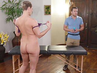 Big titty MILF Ryan Keely wants to drain the brush masseur's balls