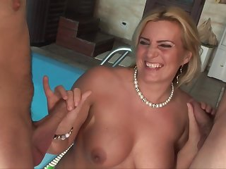 get hitched Kitty seduces two guys - Blondie MILF