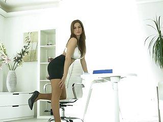 Prexy secretary Carol White-headed spreads her legs to masturbate not far from the office