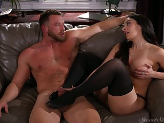 After treating guy with footjob sexy Sheena Ryder rides stiff detect