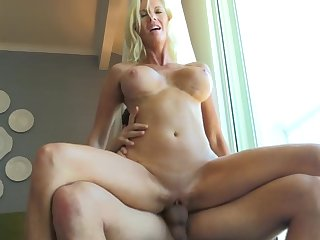 Big order knockers blonde Jewel fucked on the bed by a lucky stranger